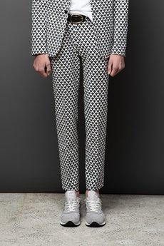 MALE-ME - Spodnie w kant GEOMETRIC PRINT