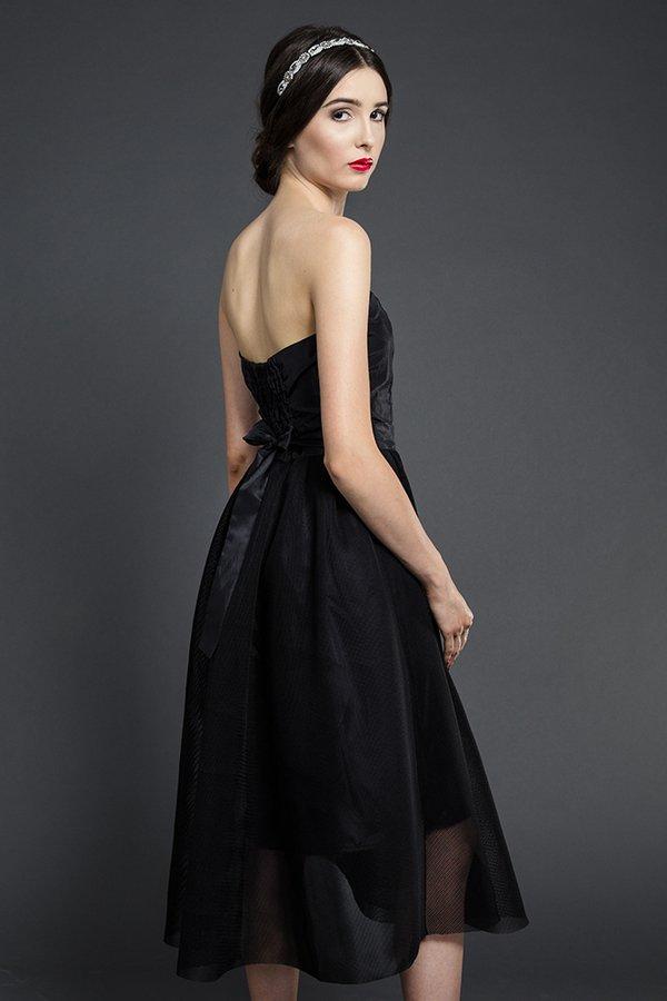 8c62dd78e2 ... Kasia Miciak design - Gorsetowa sukienka midi. Kolko strzalka up  9e124c6bee8a2d2d56d0c1557161574d31949a7844dc6ff1554ef13c584bd03f. Sukienki  na Komunię ...