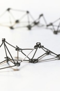 Dlugie geometryczne kolczyki ze stali futuristika 815d2f 075fca