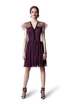 JO-LI - Sukienka ze śliwkowego tiulu w groszki wykończona aksamitką
