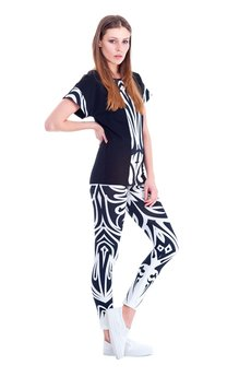 OKUAKU - MilkyWay T-shirt (Black&White)