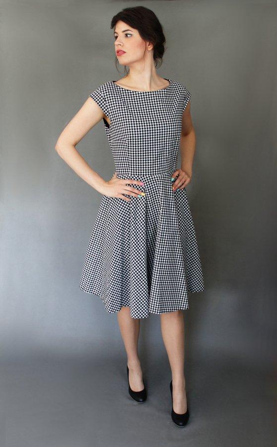 bbca8582e4 Sukienki na Ramiączka Sukienki Dopasowane Sukienki Wzory Sukienki  Rozkloszowane