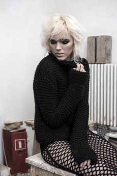 Weronika Lipka - Sweter Face Off