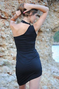 WOW - Czarna asymetryczna sukienka Chocker