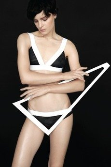 Undress Code - BE ORIGINAL BIUSTONOSZ