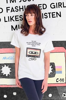 GAU great as You - GIRL WITH AUDIOTAPE t-shirt oversize