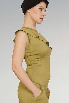 Non Tess - limonkowy kombinezon greenery z falbanką na jedno ramię