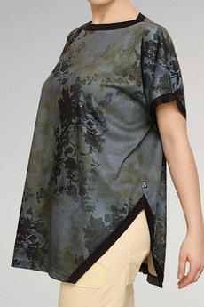 Non Tess - obszerna bluzka z rozcięciem w kwiatowe moro one size