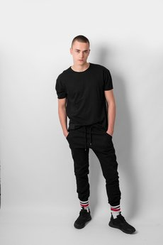 REST FACTORY - BLACK BASIC T-SHIRT
