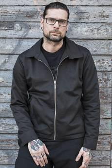 """UNICUT - Kurtka z haftem""""Keep Yourself Alive"""" - Bohater x Jurek Tchórzewski"""