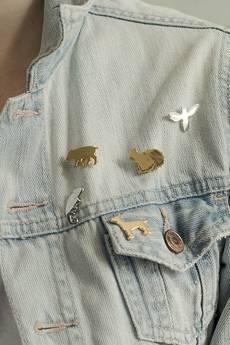 Animal Kingdom - Pin ♡ złocona świnka
