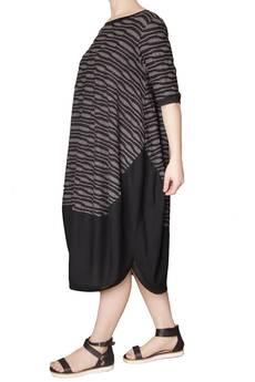 Non Tess - dzianinowa sukienka oversize we wzór M/L