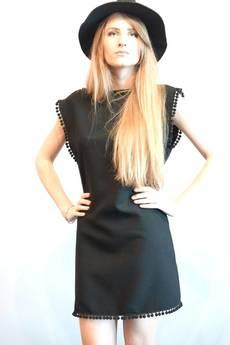 MIW Collection - Czarna Sukienka z rozcięciem na plecach