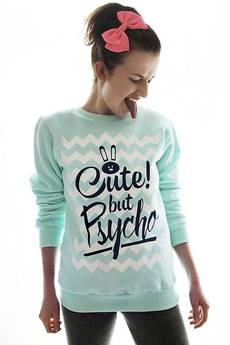 Bluza mietowa cute but psycho