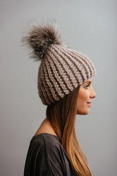 POMPOM - POMPOM - beżowa czapka z naturalnym futerkiem