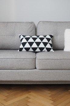 So Homely - Prostokątna poduszka duże trójkąty