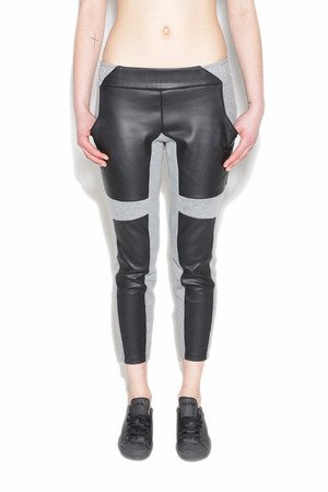 Spodnie dresowe ze skórą - Contrast Line