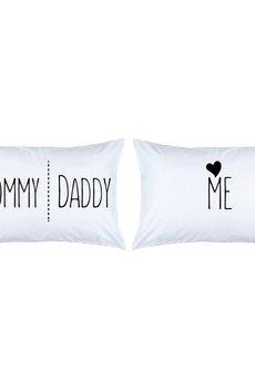 Love To Sleep - POSZEWKI NA PODUSZKI Z NAPISAMI MOMMY, DADDY & ME