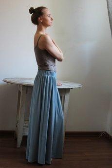- Długa zwiewna spódnica błekit