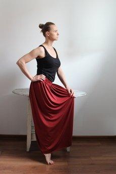 Szarymary - Długa zwiewna spódnica czerwona