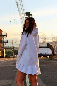 NAT Fashion Room - Bluza dresowa biała z kapturem i falbanką