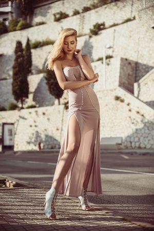Sukienka długa wieczorowa liliowa Ophelie
