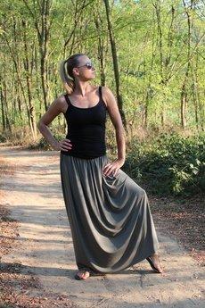 Szarymary - Długa zwiewna spódnica oliwka