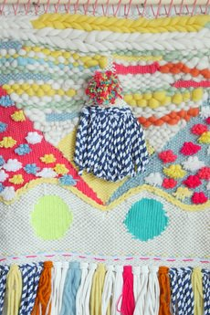 Mj tkaniny - Kolorowa tkanina z pomponem
