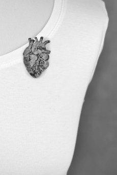 FELT LABEL - Broszka filcowa anatomiczne serce