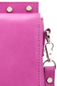 Emilia Arendt - Ręcznie szyta, elegancka torebka z naturalnej skóry w fuksjowym kolorze wykończona ćwiekami