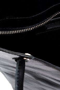 Emilia Arendt - Elegancka, szyta ręcznie, czarna torebka na ramię z naturalnej skóry