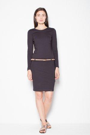 Sukienka o prostym kroju z kieszeniami