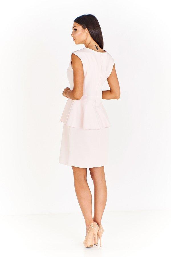 27d943a77d Elegancka Sukienka Z Baskinką I Elementem Biżuteryjnym - Różowy ...