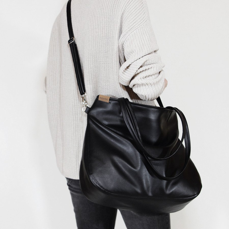 Pacco Bag Czarna Torebka Z Dodakowym Długim Paskiem Czarny