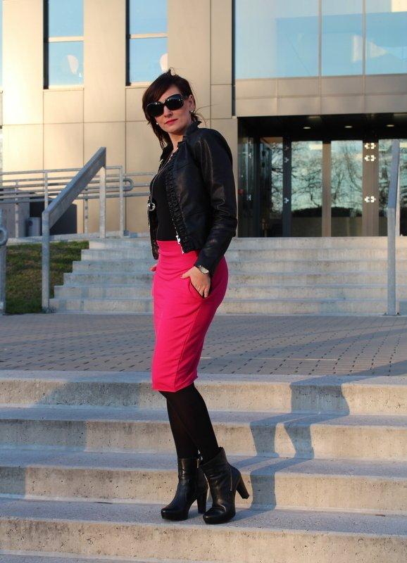 f17678f438db97 Spódnice Dopasowane Spódnice Ołówkowe Spódnice Sportowe Spódnice Dresowe  Spódnice z Kieszeniami