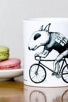 Lobo Loco - Kubek z Bulterierem na rowerze