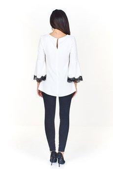 Bird - bluzka z koronkowymi wstawkami i ozdobną broszką