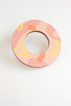 MOSKWA - Broszka okrągła różowa