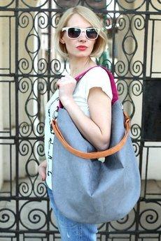 Karolina Audycka - Workowata torebka na ramię kolorowa granat Hobo
