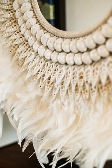 White Sands - Dekoracja z piór i muszli