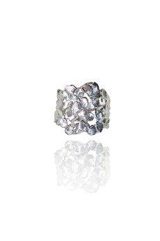 DOROTA KOS jewellery - Srebrny pierścień z płatków- Jabłonka