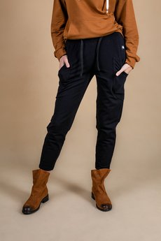 3 FOR U - Spodnie damskie dresowe czarne z kieszenią naszytą