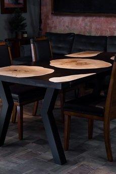 Forrest - Stół jadalniany z plastrów jawora i czarnej żywicy