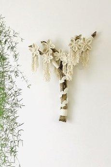 WhiteOwlKnot - Makrama na ścianę z kwiatami