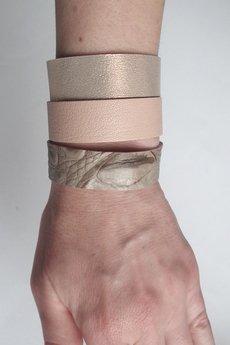 Mikashka - Komplet trzech bransoletek skórzanych pudrowy róż