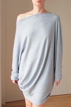 ONE MUG A DAY - Szary lekki sweterek wersja długa
