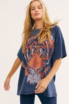MY! OH MY. old - T shirt  TIGER