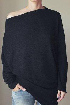 ONE MUG A DAY - Asymetryczny sweterek trapez czarny