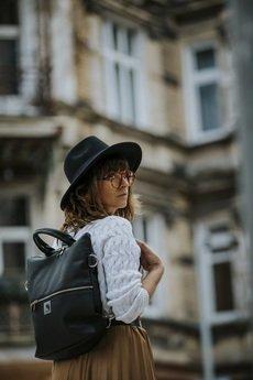 Karolina Audycka - Czarny plecak / torba 2 w 1 ze skóry eko