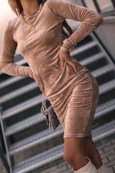 Ooh la la - Welurowa dopasowana sukienka MIDI
